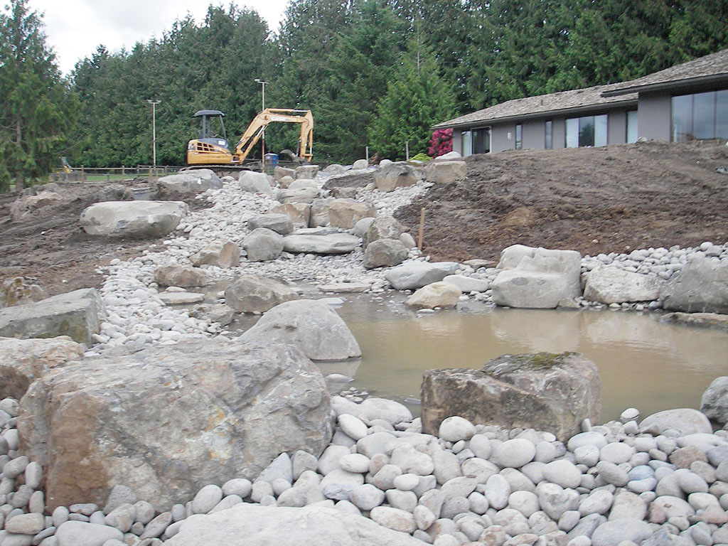 north-santiam-paving-services-residential-yard-home-1